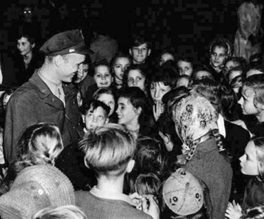 Captain Halvorsen and his Fans