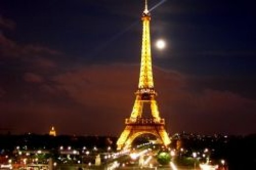 Eiffel Tower (hotspotsworld.com)
