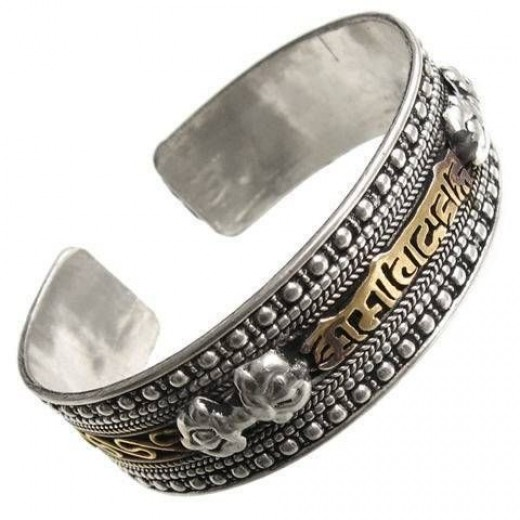 Ethnic Indian Silver Jewelry for Fashion