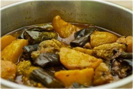 Aloo Baigun Curry