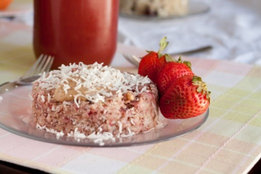 5 minute Strawberry Quinoa Flake Bake
