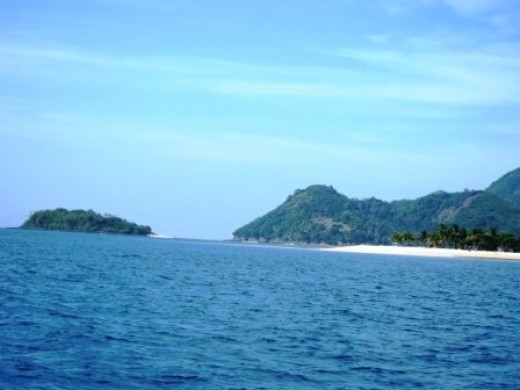 Islands with white beaches in Concepcion