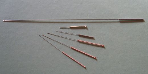 Examples of acupuncture needles