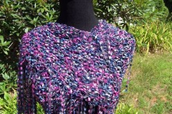 How to Wear a Triangular Shawl