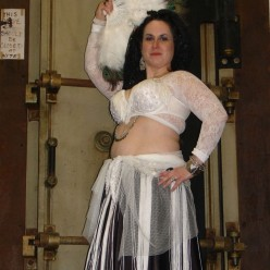 How to Create a Unique Belly Dance Costume