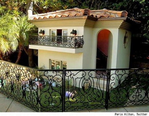 paris-hilton-dog-house