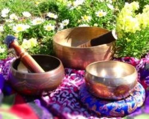 Metal Tibetan chakra balancing bowls