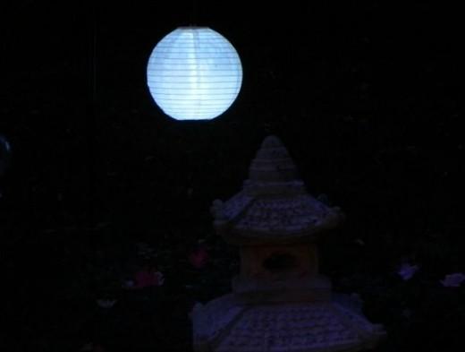 Japanese style solar lantern