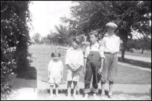 Siblings about 1931