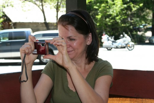 Lori gets a picture of Liam and Jeff