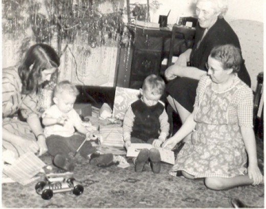 Aunt Marie, Herby, Harry, Harriet and Mabelle.