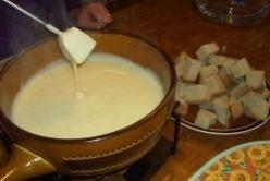 Best Cheese Fondue Recipe