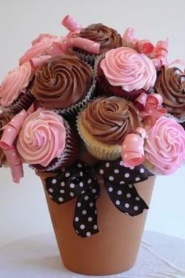 Displaying the Cupcake Bouquet in an actual clay flowerpot. {This is my favorite way to display cupcake bouquets!}