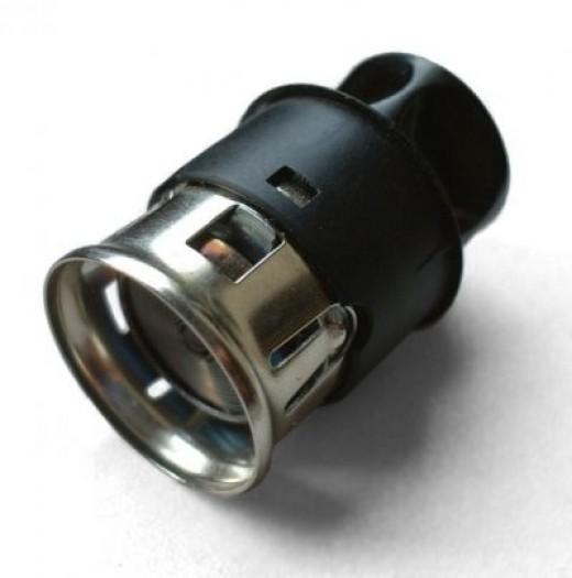 Once standard in cars. The V-Coil lighter developed by Casco (1956).