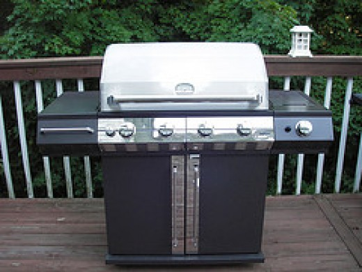Altima Outdoor Propane Grill (Photo courtesy by Sunsplash from Flickr)