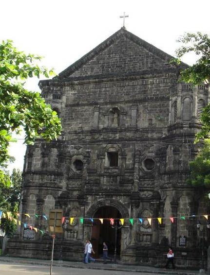 British soldiers took refuge in this church during their occupation of the Philippines and attack on Intramuros in 1762-63. The church was destroyed in 1773, rebuilt, badly damaged in World War II, and later restored again.