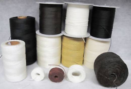 Heavy thread of at least 1mm or greater will be needed.Thin ®ular sewing threads will snap easily. Try to find thread close to the leather's color.