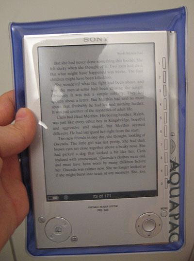 Sony PRS-505 in a case (credit: justread.de)