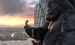 King Kong and blonde femme fatale in the 2005 remake
