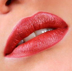 Moisturize Lips Tips