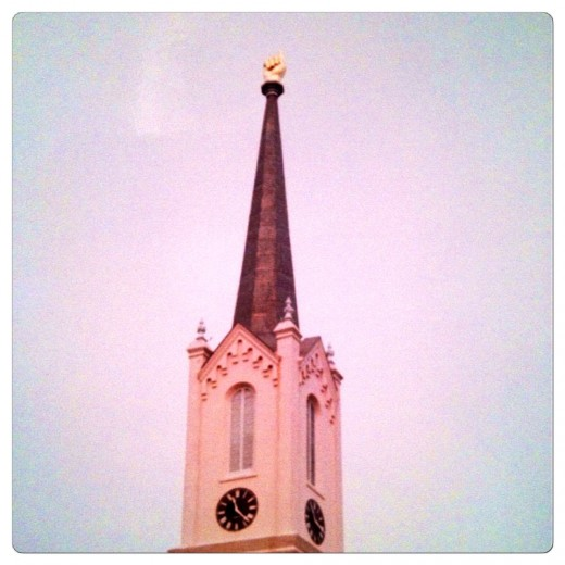 First Presbyterian Church in Port Gibson, MS with gold finger that points to heaven.