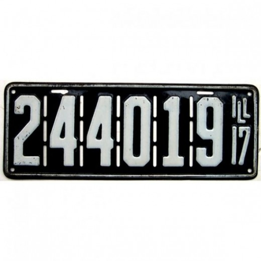 1917 - Illinois license plate with holes