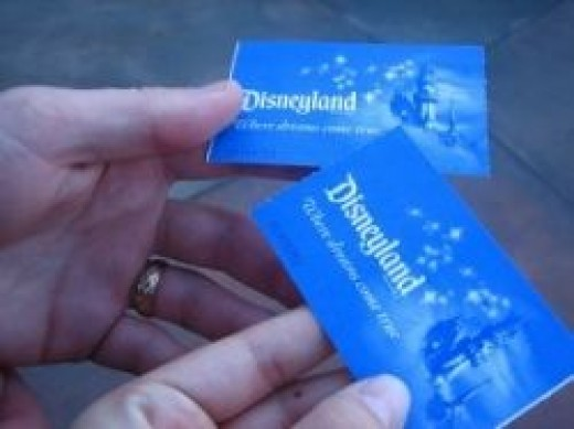 how to buy cheaper disneyland tickets