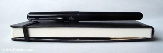 Minimal sketching kit - Moleskine sketchbook and Pentel pocket brush pen