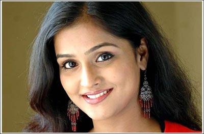 Remya Nambeesan 5