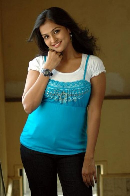 Remya Nambeesan 8