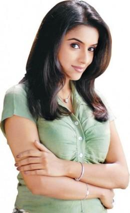Her performance in Gajini is brilliant...!