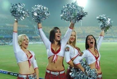 Girls dancing and enjoying in IPL T20