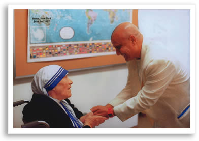 Sry Chinmoy meets Mother Teresa