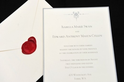 The invitations represent the classic and timeless style of both Edward and Bella.