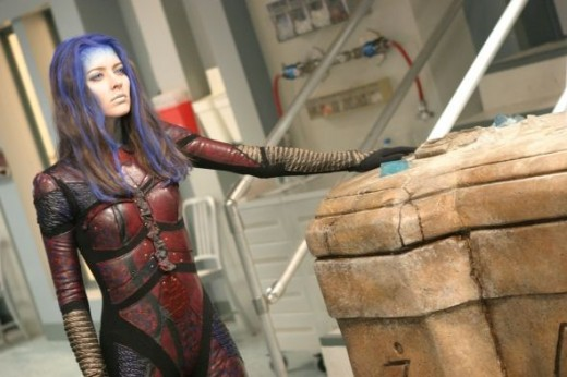 Illyria pulling power from her sarcophagus, after creating her armour