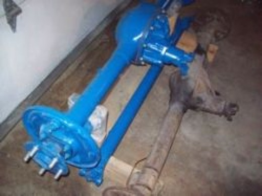 Ford_8_inch_Rear_Axle_From_Maverick