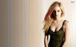 Avril Lavigne Biography - Why You Have to Love Avril