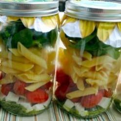 Caprese Pasta Salad in a Jar