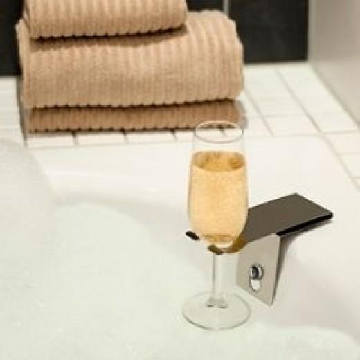 Bath tub wine glass holder