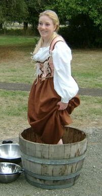 Learn how to sew by hand - historical sewing - historical costuming