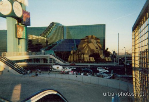 The old MGM Grand entrance (1993 to 1998)