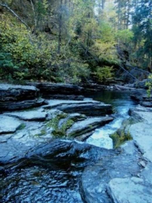 Creek Devils Bathtub Hike