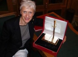 Sara with the Diamond Dagger in the vault at Cartier's in London.