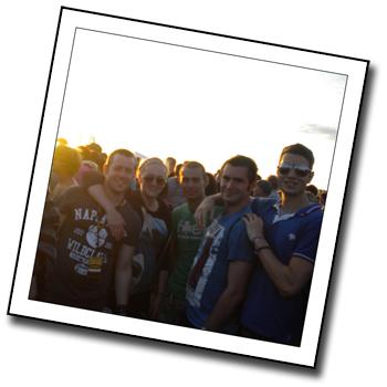 Bucketlist-Go-To-A-Music-Festival
