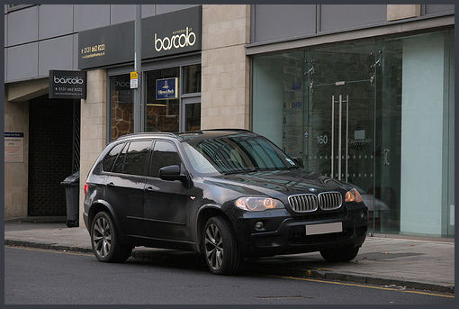 Photo of SUV under Creative Commons 2.0 by flickr user i see modern Britain.