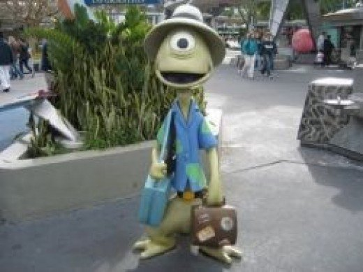 An example of clothes from Bleakly from Lilo and Stitch courtesy of WDWMemories.com.  Used with Permission.