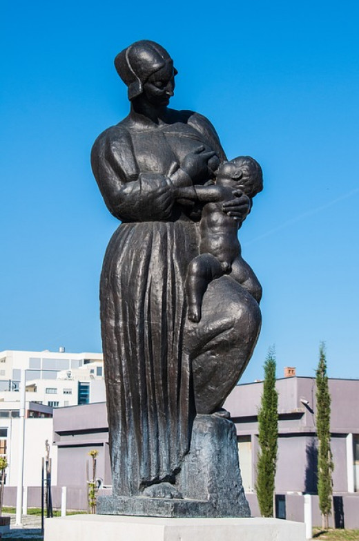 This is one beautiful nursing statue
