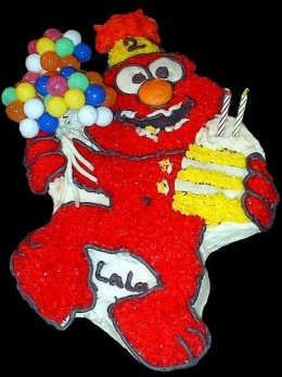 Elmo with balloons - from the old Wilton cake pan - by oddharmonic http://www.flickr.com/photos/oddharmonic/2242439015/