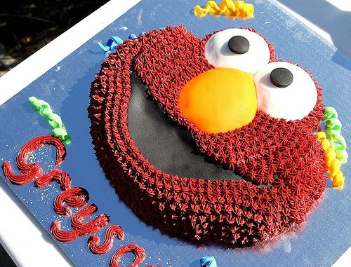 Elmo cake with the Wilton cake pan but done as a creative frame - by Tonya Staab http://www.flickr.com/photos/tjstaab/5417029771/