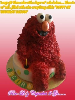 Very impressive 3D Elmo cake - by Ree-Lo'z Cupcakes 2 Go http://www.flickr.com/photos/mz_ree-lo/6919808963/